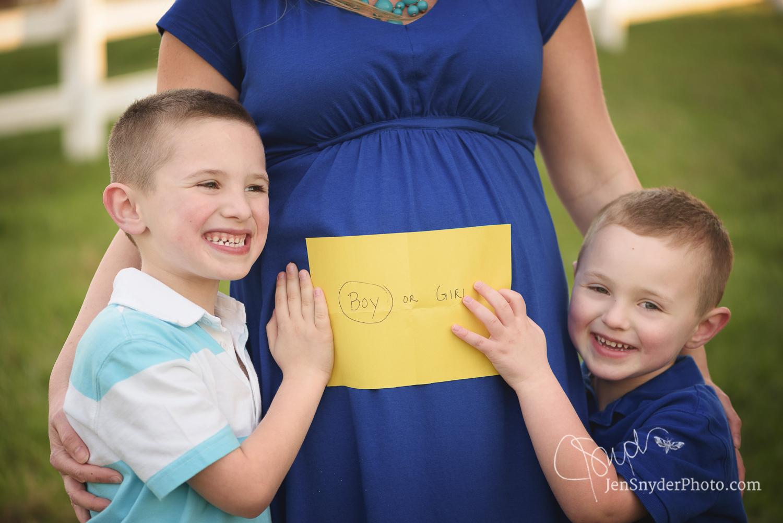 harford county, maryland gender reveal pregnancy portrait photographer Jen Snyder http://www.jensnyderphoto.com